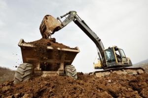 Nikolai Kratz Tiefbau Siegen führt mit Bagger Ausschachtung durch